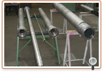 Propeller shafts and stern tubes